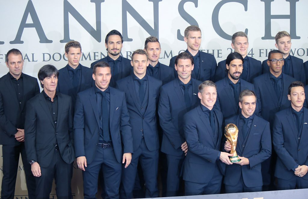 """Gute Chancen für """"Die Mannschaft"""" den golden Pokal auch 2022 in Händen zu halten? 360b / Shutterstock.com"""